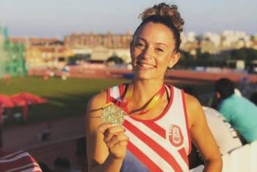 Emilia del Hoyo brilla en una gran  pista coberta